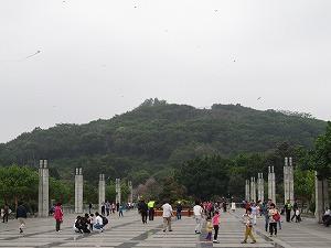 蓮花山公園を望む