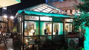 レストラン雅科の屋上ガーデン、大勢なら個室が利用できる 以前撮影