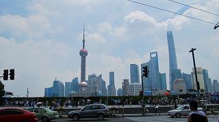 ここに写っている人はたいてい上海人ではなく外地人 観光地だから