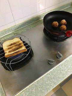朝食の準備