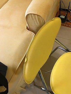 椅子背もたれ変形