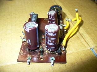 交換後のアルミ電解コンデンサ