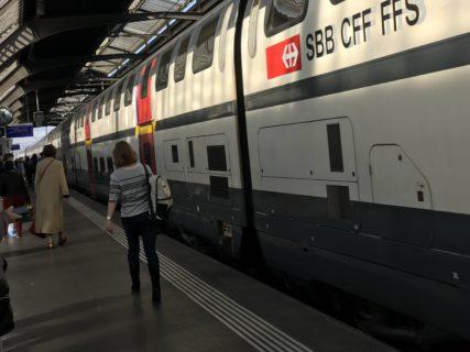 ルツェルン行き列車の写真