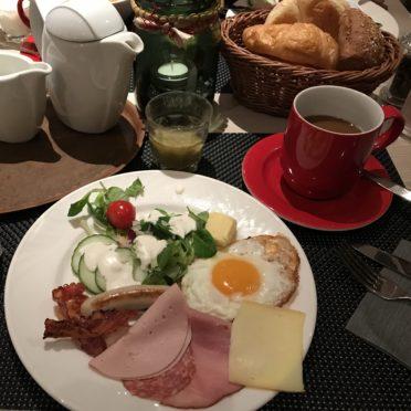 グリンデルワルド朝食の写真
