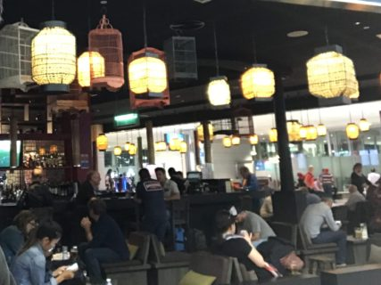 ドバイ空港レストラン