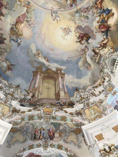ヴィース教会の天井画の写真