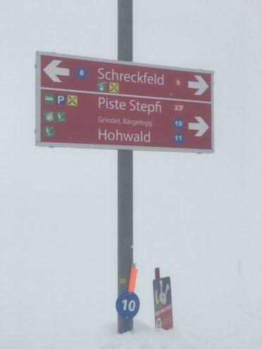 Schilt付近の行き先表示板の写真