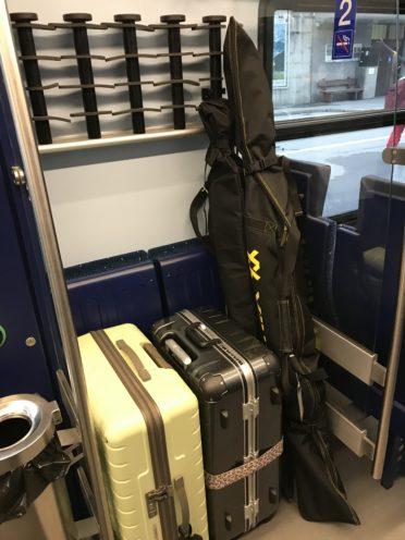 BOB電車内荷物置き場の写真